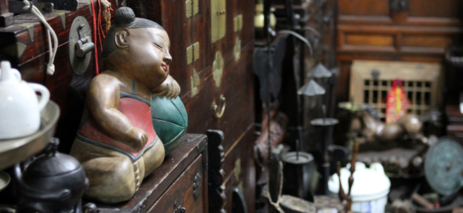 Korean Antiques at the antique market in Busan, South Korea
