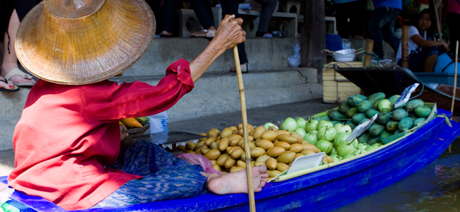 Flashpacker's Photo of the Day – Floating Market Proprietor