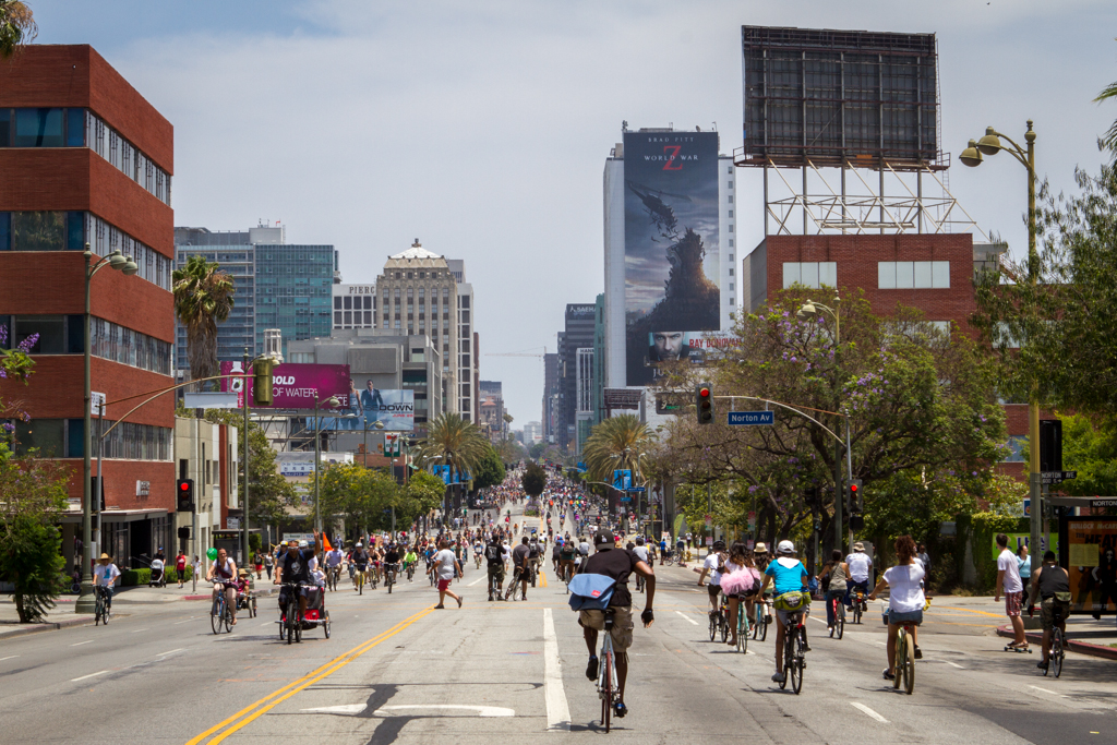 The cars are gone and Los Angeles has been returned to the people. Alright, so it's just a portion of Wilshire blvd. and only from 9am to 4pm today.