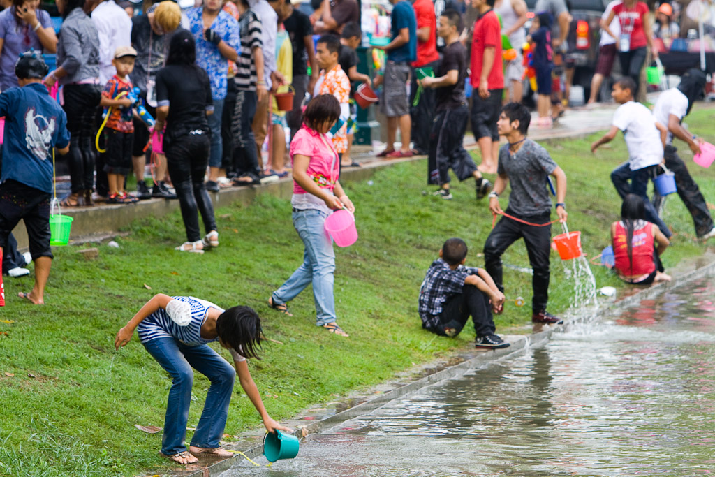 You can see why the outside of the moats are the best place to participate in the water fight - easy access to water.